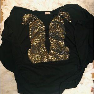 Black w/gold lamé🐆Leopards Blouse dress up/down!